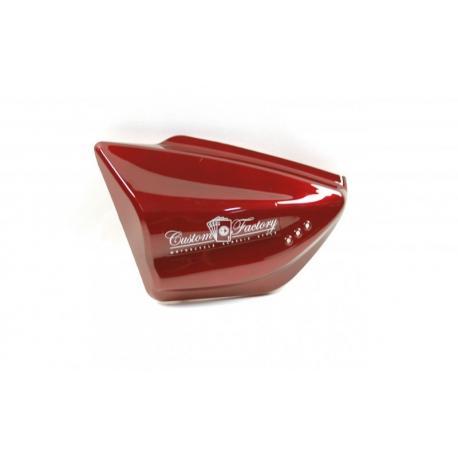 Obudowa boczna lewa czerwona do motocykla Classic 125