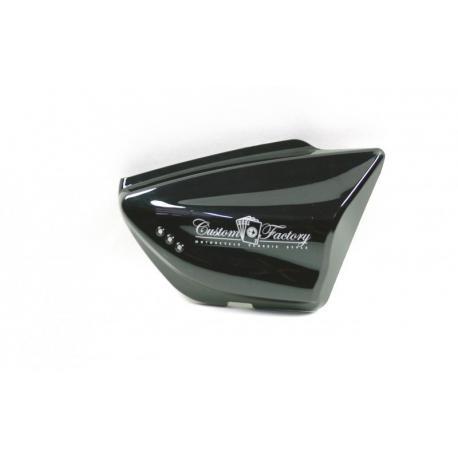 Obudowa boczna prawa czarna do motocykla Classic 125